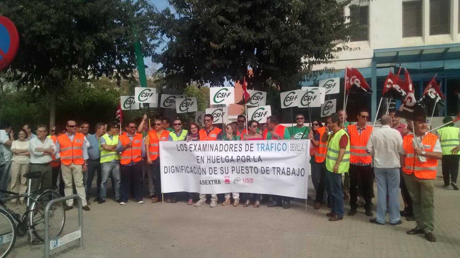 Cgt junto con csif y asextra realiz una concentraci n - Jefatura provincial de trafico de albacete ...